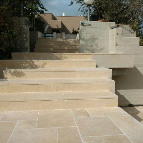 ריצוף חוץ וספי מדרגות